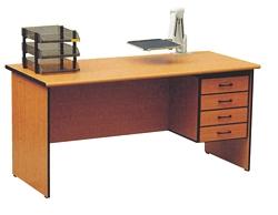 שולחן נעמי + ארגז 120X60
