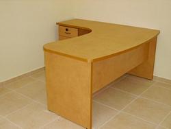 שולחן ארגונומי גל רגלים עץ